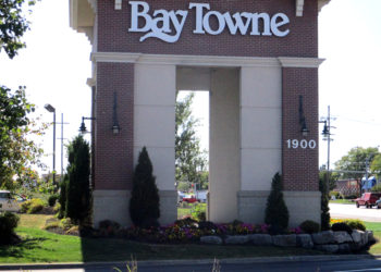 Bay Town Plaza